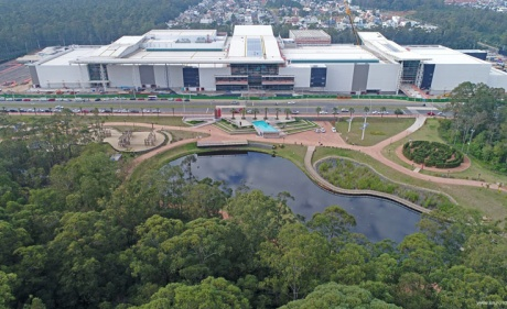 Multiplan entrega as chaves aos lojistas do ParkShopping Canoas
